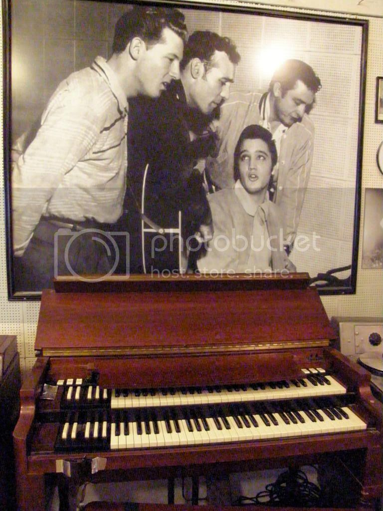 Famous picture over Jerry Lee Lewis' piano Pict